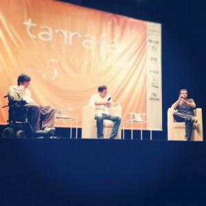 Marcelo Rubens Paiva (esq) e Antonio Prata (dir) discutem a crônica na Tarrafa Literária