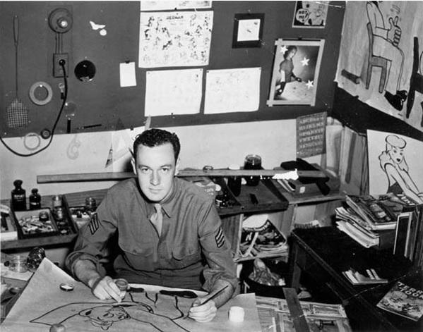 O velhinho já foi jovem, gente. Stan Lee como editor na Timely Comics, década de 1940. Fardado, pois corria a Segunda Guerra e o rapaz servia nos EUA